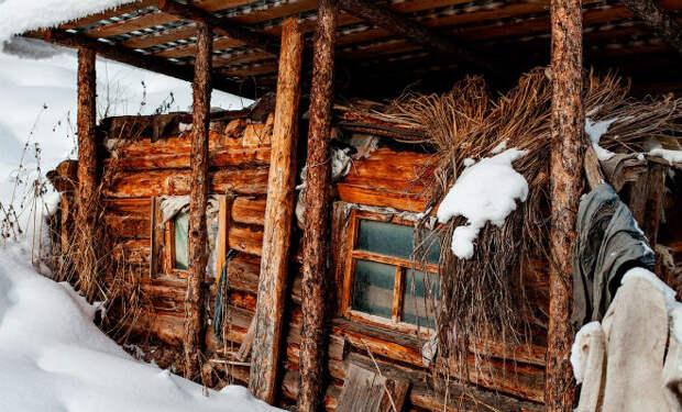 Семья отшельников почти 50 лет жила в Тайге и не встретила ни одного человека. В 1978 их заметили геологи с вертолета