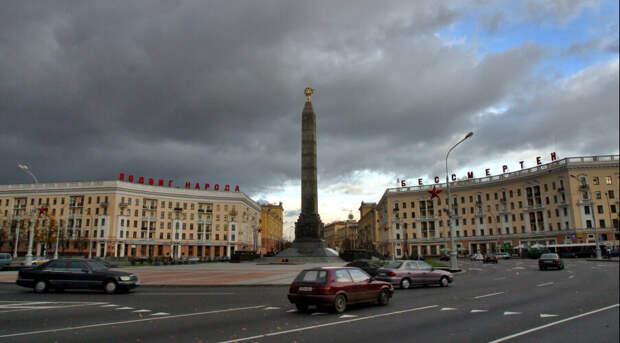 В Минске приземлился российский правительственный самолёт. Его пассажира ждёт Лукашенко