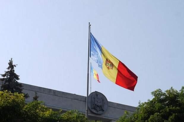 Парламент Молдавии утвердил в I чтении закон о статусе русского языка