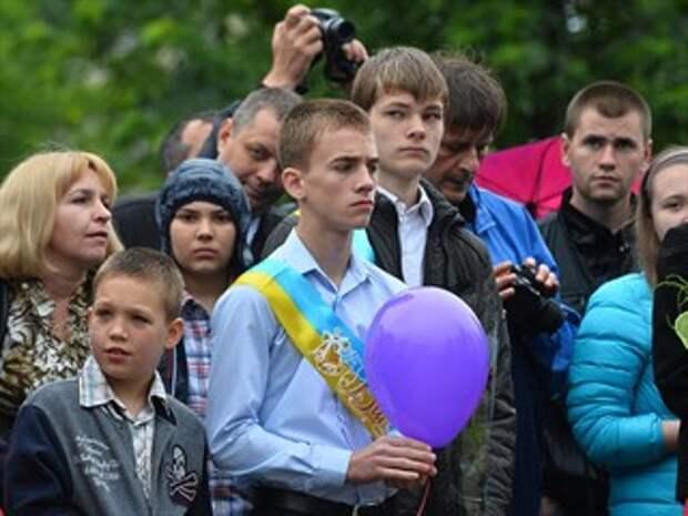 «Лишних» детей — на обочину: Большинство украинских школ закрывают набор в старшие классы