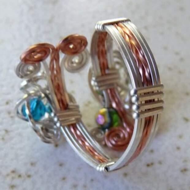 Ажурное кольцо из проволоки и бисера своими руками