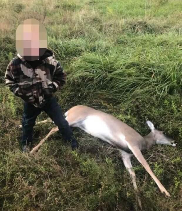 Научены убивать: дети демонстрируют свои охотничьи трофеи после открытия подросткового сезона вТехасе