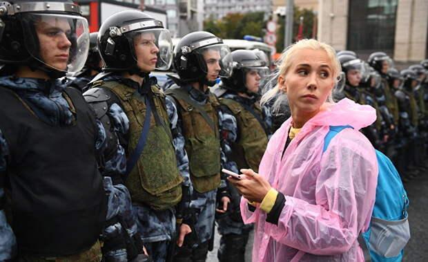 Запад со слезами следит за московскими протестами, обеспокоенный судьбой задержанных демонстрантов
