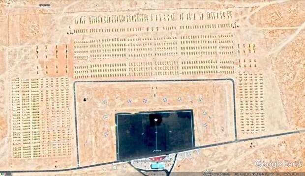 Смотр в Сиди-Баррани. Вид из космоса