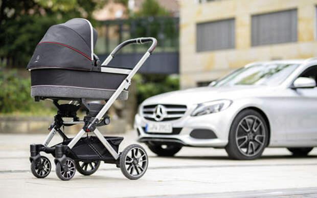 В Mercedes-Benz сделали коляску для младенцев