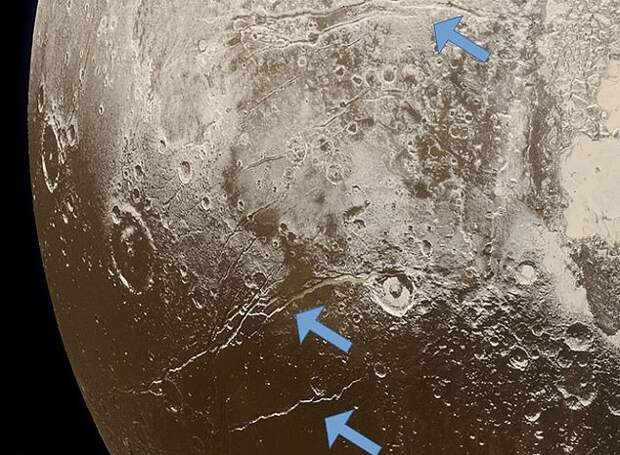 Плутон - не совсем ледяная планета