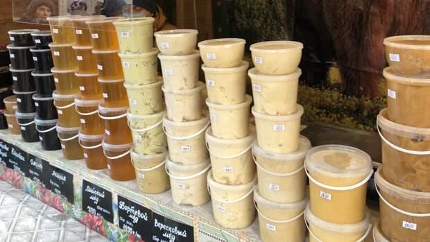 Мед включили в число опасных для здоровья сезонных аллергиков продуктов