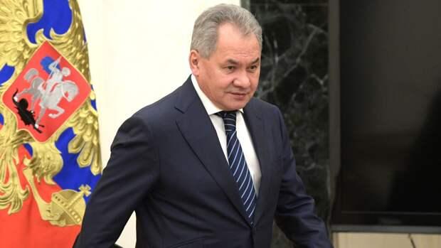 Глава Минобороны России открыл новый барельеф в Адмиралтействе