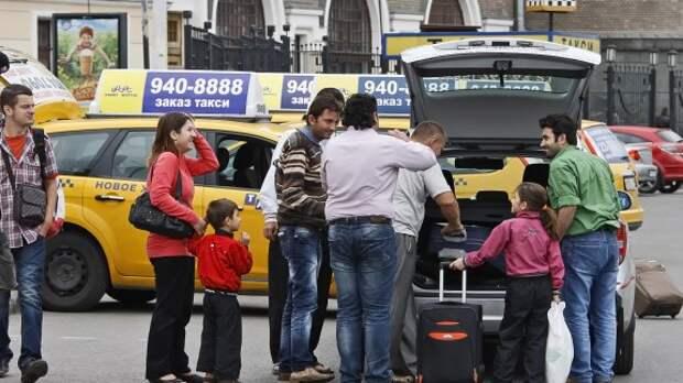 Водителей такси будут штрафовать за нарушение ПДД жестче, чем обычных автолюбителей