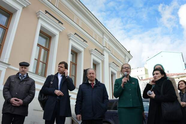 6 фактов о депутате Елене Шуваловой, которую выгнали из КПРФ за оппозиционность