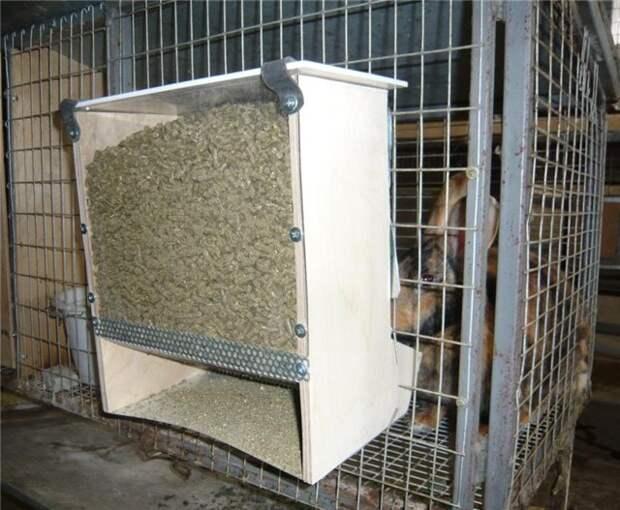 Автоматическая кормушка для кроликов