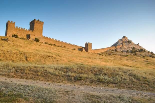 Молодые реставраторы облагородят вход в Судакскую крепость