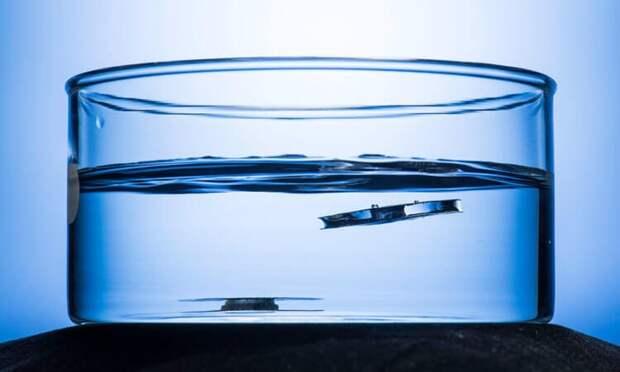 Создан металл, который не тонет в воде