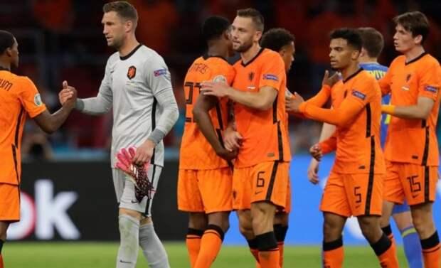 Голландцы уверенно разобрались с австрийцами