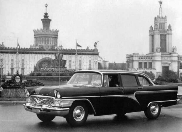 Все первые пассажиры этого автомобиля в свое время были членами ЦК КПСС и политбюро. Отсюда и прозвище.