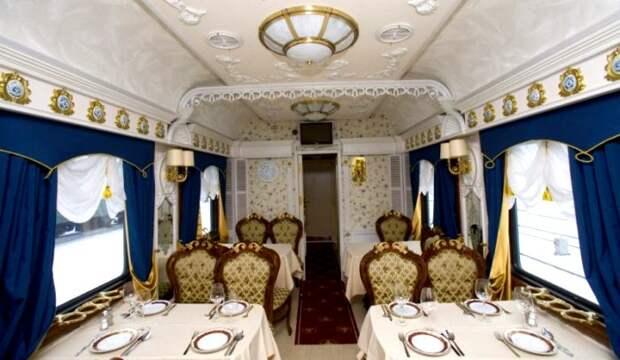 Больше похоже на балкон императорского театра, чем на вагон поезда. /Фото: ttgbaltic.eu