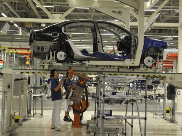 VW начал увольнять сотрудников на заводе в Калуге из-за остановки производства