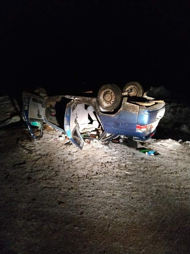 Легковушка перевернулась на трассе в Удмуртии: водитель погиб