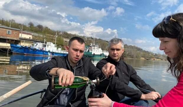Причину вонючей воды в Ростове ищут выше по течению реки Дон