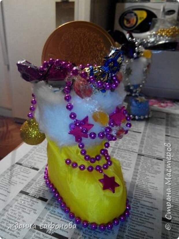 Мастер-класс Свит-дизайн Новый год Моделирование конструирование новогодние сапожки- подарки мастер класс Бусины Картон Клей Мех Пенопласт Продукты пищевые Стаканы фото 27