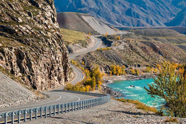 7 самых красивых дорог России