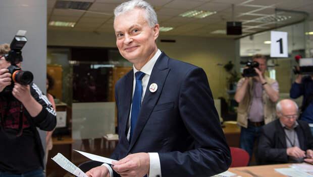 Президент новый, а методички старые. В Литве выступили против «Северного потока-2»