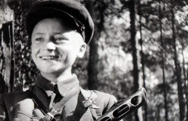 Юный партизан Володя Казначеев.   Фото: np.ks.ua.