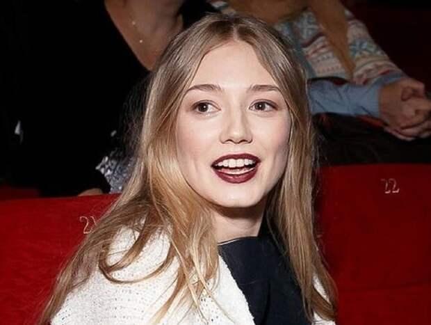 Оксана Акиньшина назвала феминизм «проблемой некрасивых женщин»