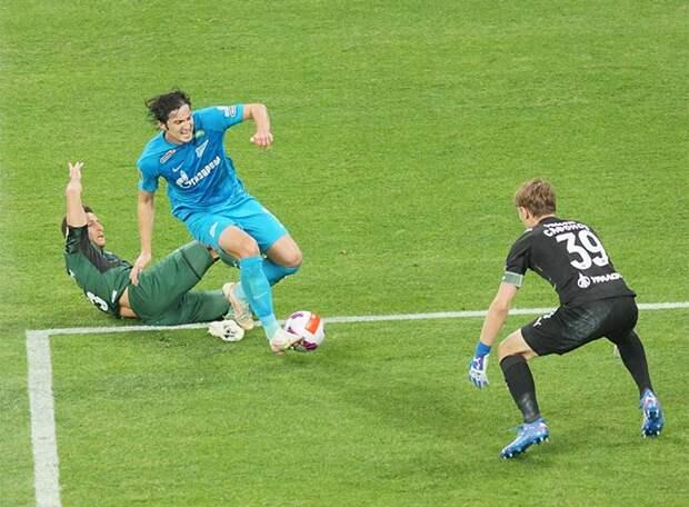 «Зенит» благодаря дублю Азмуна и голу Ерохина одержал третью подряд победу, не позволив «Краснодару» после 2:3 вернуться в игру