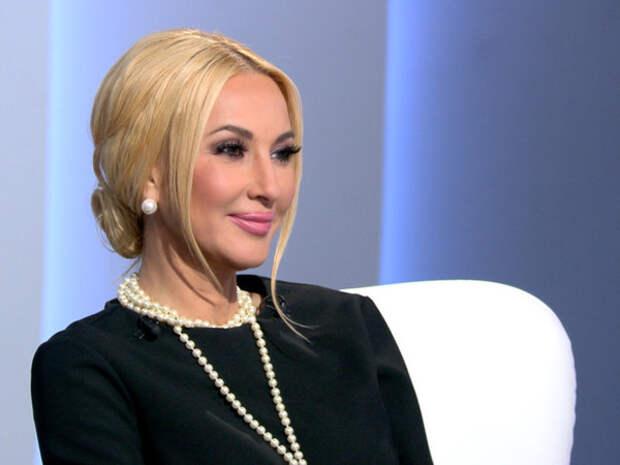 Лера Кудрявцева оторвала на видео свои искусственные накладки