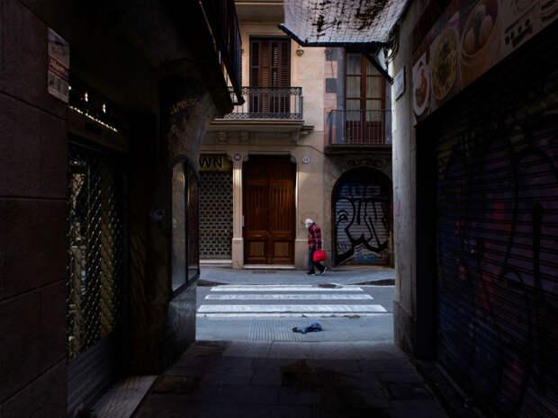 Коронавирус в Испании: умерших стариков оставляют в кроватях