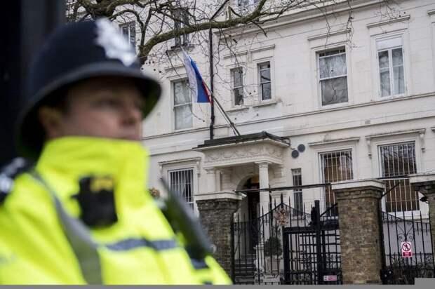 Российское посольство отправило ноту протеста в британский МИД, но она осталась без ответа