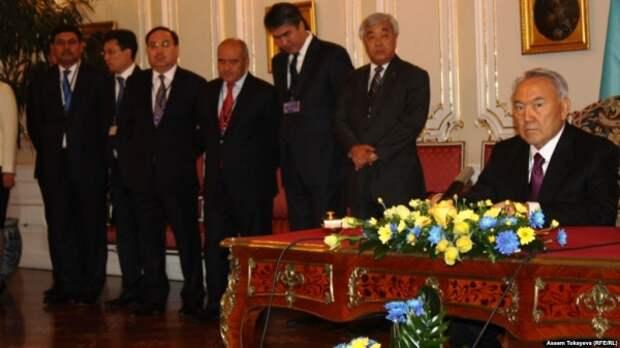 Социологи: ВКазахстане сокращается число «эффективных элитариев»