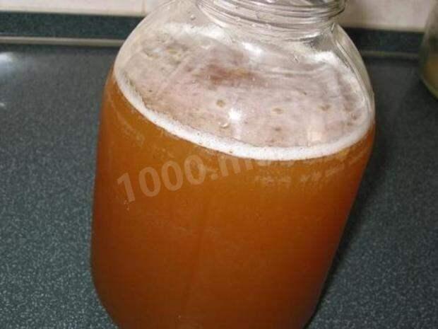 Безалкогольные напитки. Домашний простой окрошечный квас с изюмом