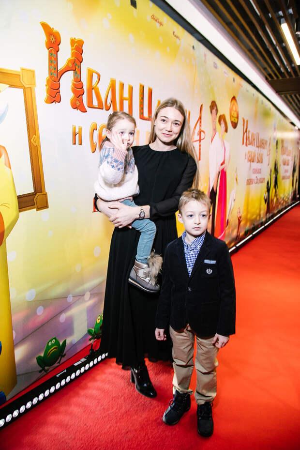 Голос. Звери: Оксана Акиньшина, Равшана Куркова и Алексей Чадов