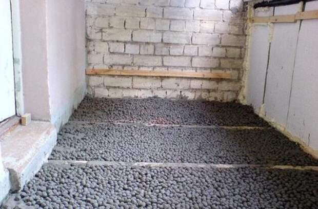 Выравнивание пола цементной стяжкой: рекомендации мастеров