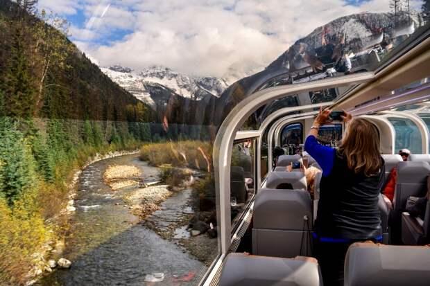 Обзор красоты панорамы за окном поезд никак не ограничивает. /Фото: brightspot.com