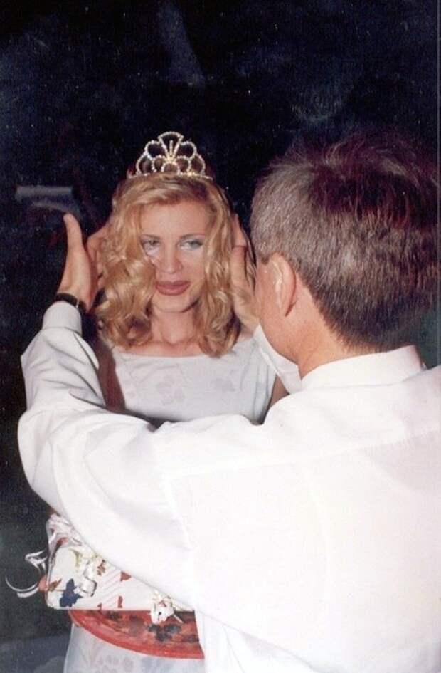 Как сложилась судьба королевы красоты, которую 20 лет назад облили кислотой