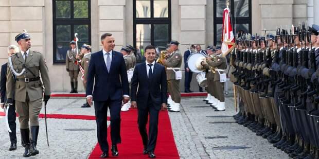 Президент Польши предложил Зеленскому увековечить память тех, кто боролся с Красной армией
