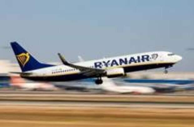 Самолет Ryanair сел в Осло после сообщений о бомбе на борту
