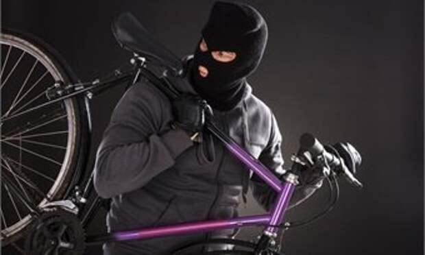 Из подъездов кировских многоэтажек продолжают угонять велосипеды