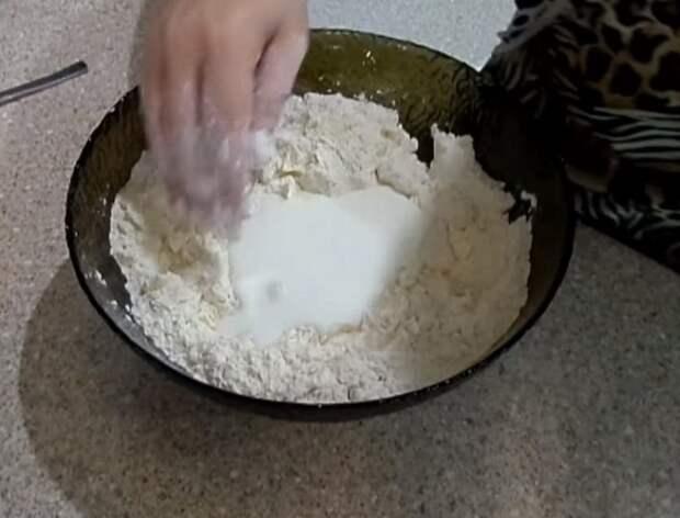 как испечь песочное печенье с начинкой