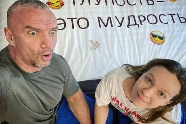 Избитый Епифанцевым режиссёр попал вбольницу