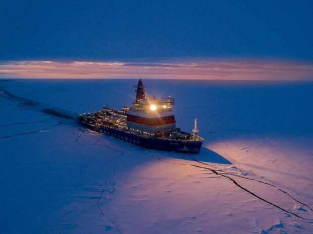 Лед назван одним из главных богатств Российской Арктики