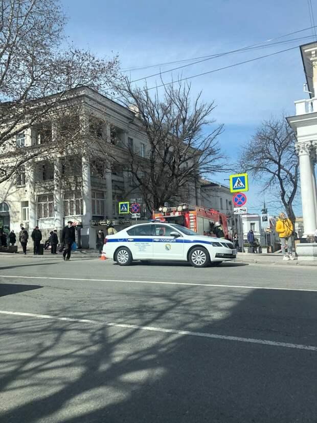 """Что случилось возле гостиницы """"Севастополь"""""""