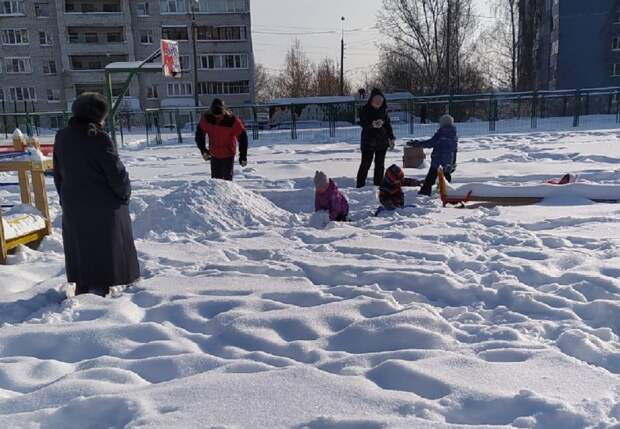 Жители Приокского района активно отметили День всех влюблённых