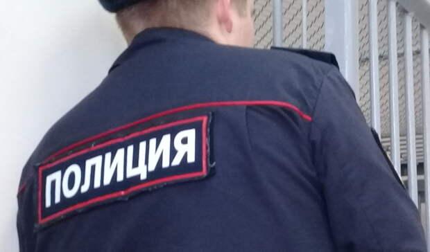 Оренбуржец вытолкал за дверь полицейского и получил 2 года лишения свободы