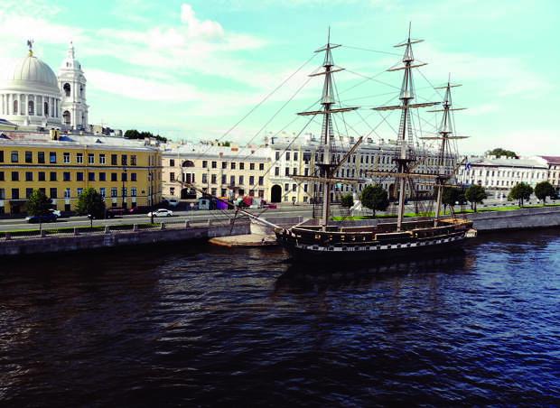 «Газпром» расправляет паруса. Газовый монополист ищет верфи, которые построят семь парусников для открыточных видов Петербурга