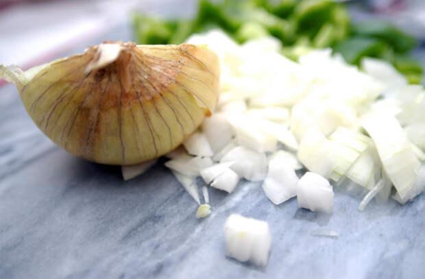 Болгарский перец становится нежнее, если его очистить от кожуры: хитрости итальянских поваров