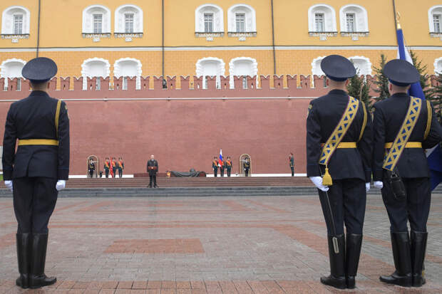 05-09-2020-Putin-Soldiers